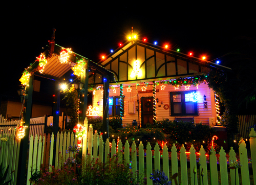 An Australian home decorated for the holiday season