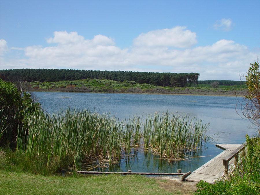 Lake Mombeong (Victoria, Australia)