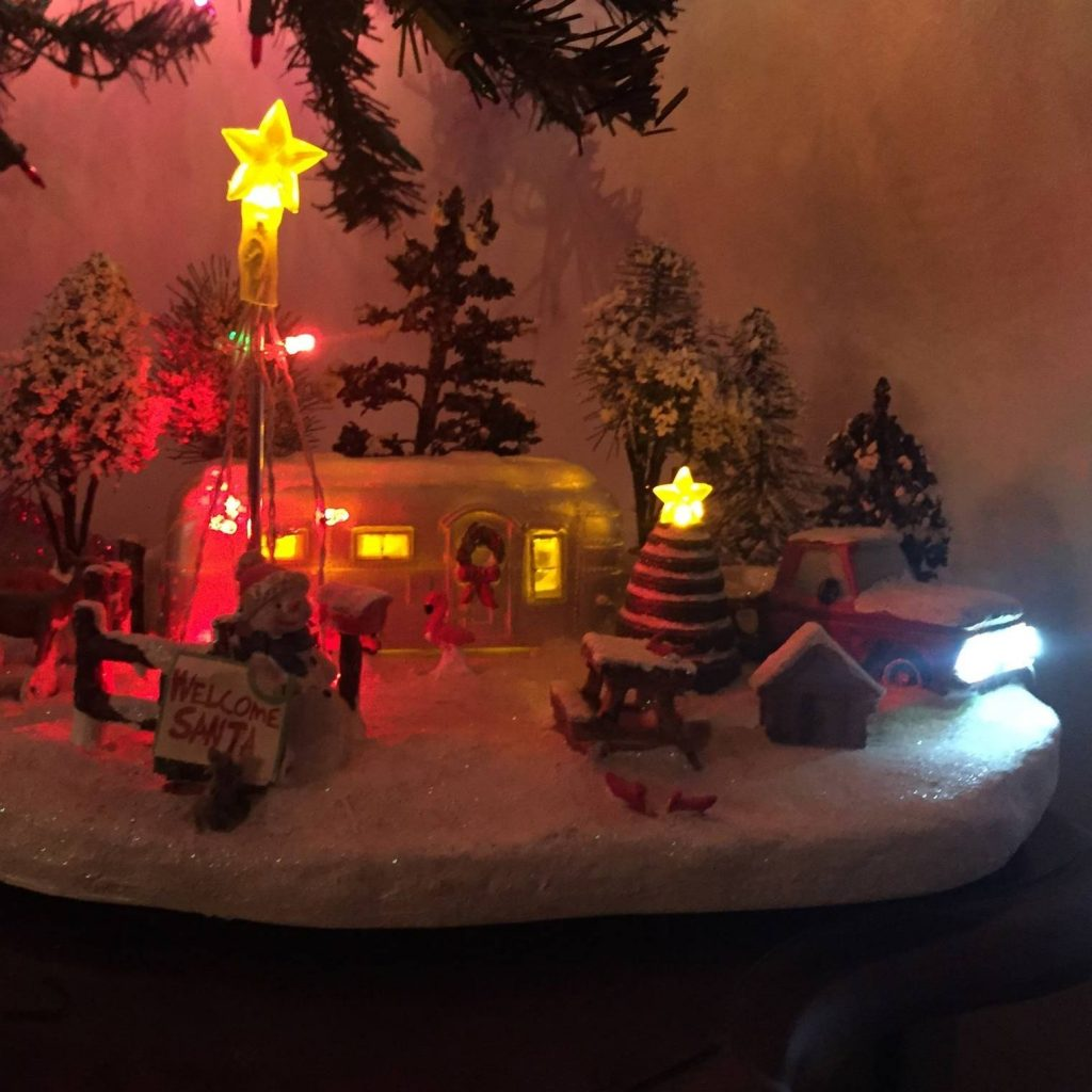sandras-christmas-display